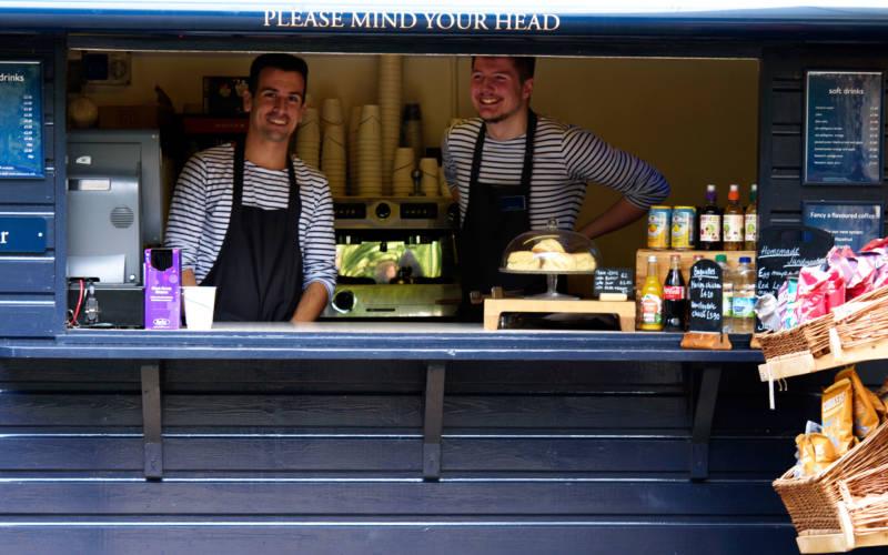 kiosk-cafe-stall-boys-3000-1875-2-3-pascale