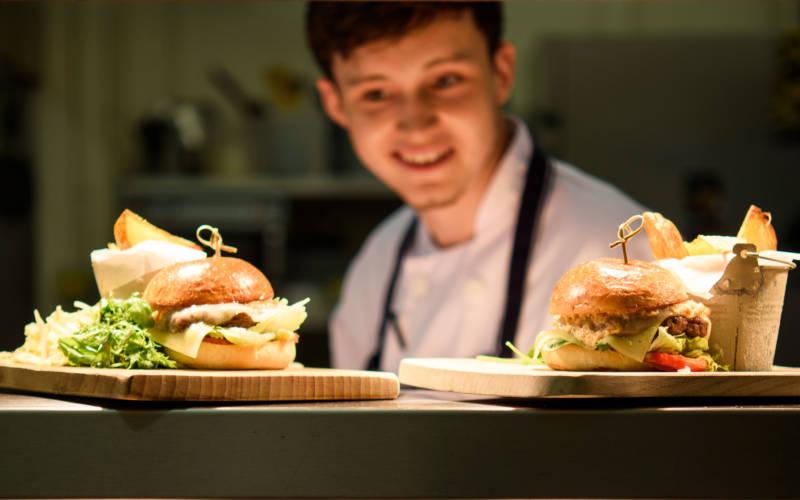 stables-burger-pascale-3000-1875-2
