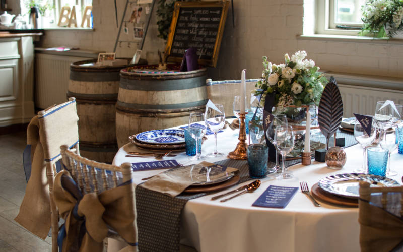 Decorated wedding table in purple.