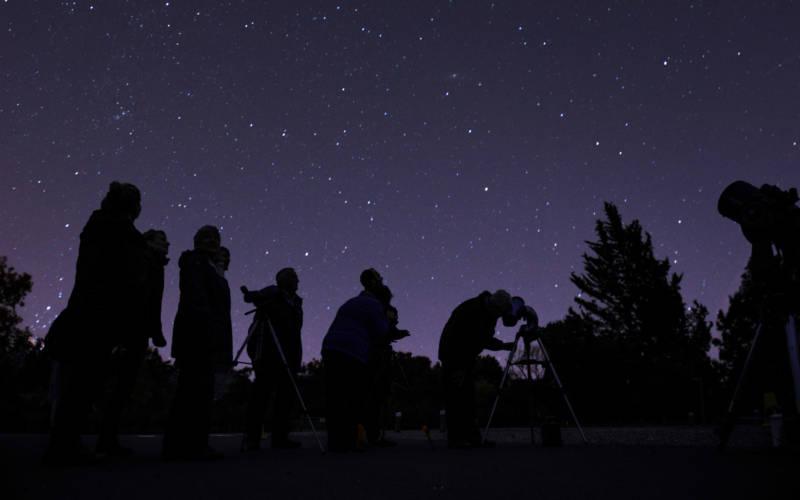 stargazing-3000-1875-ntimages-steve-sayers