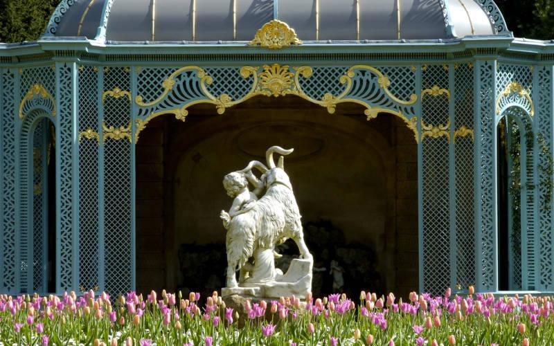 aviary-statue-3000-1875