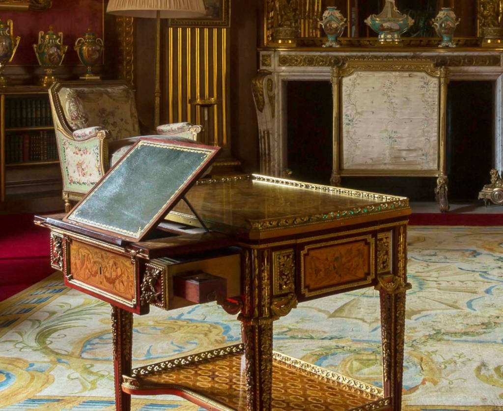 Table à écrire de Marie-Antoinette à Waddesdon Manor - Page 2 Tower-Drawing-Room-Marie-Antoinette-Writing-desk-21-1024x837