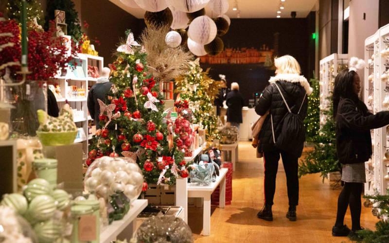 christmas-pop-up-shop-2-adam-hollier-1000-625