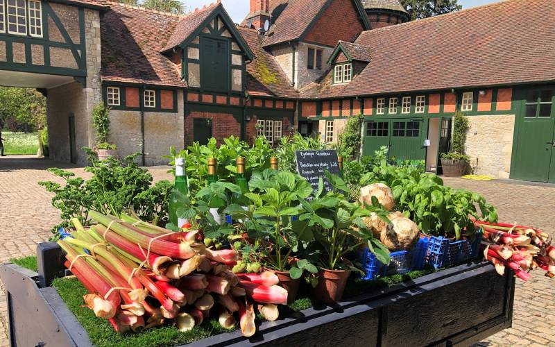 Produce-for-sale-at-Eythrope-(c)-Waddesdon,-A-Rothschild-House-&-Gardens
