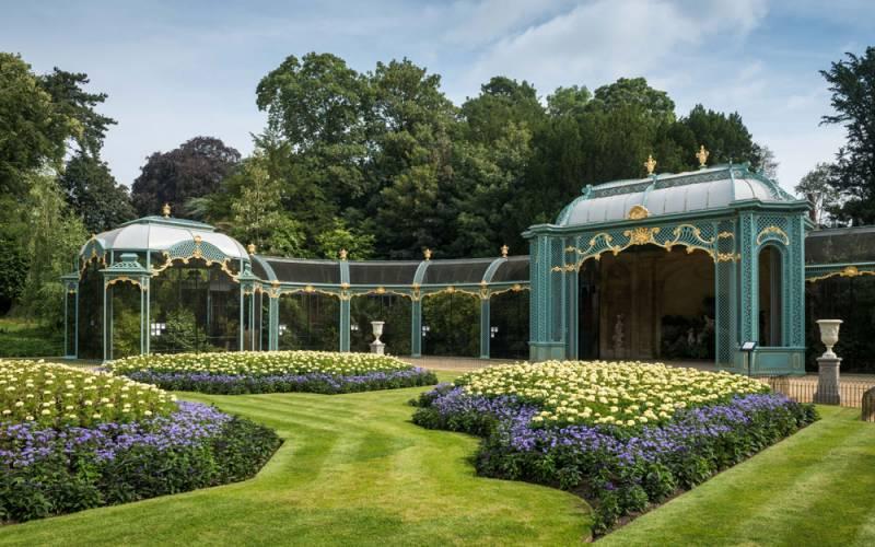 aviary-garden-1000-625-derek-pelling