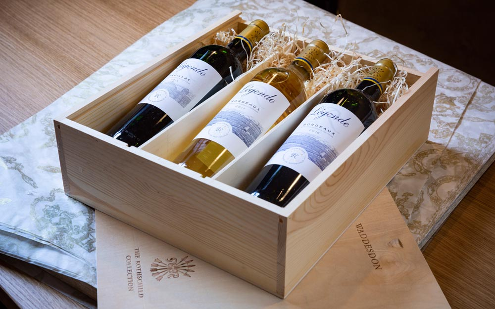 Wooden presentation box of legende wines