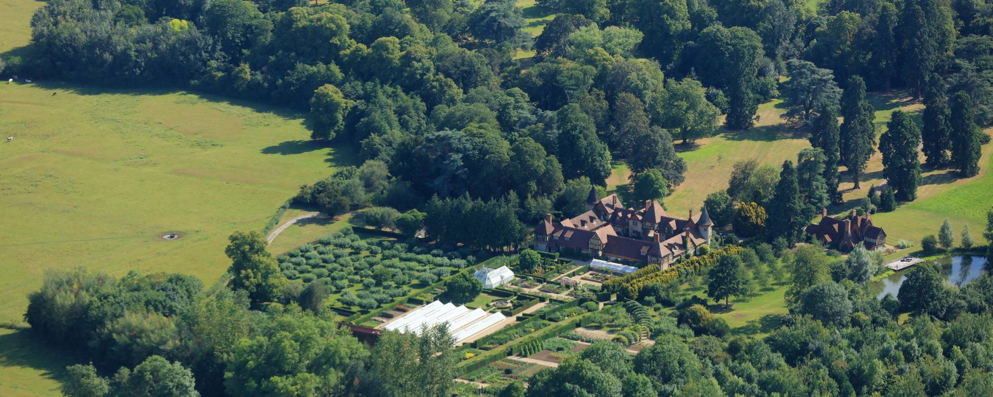 Aerial view of Eythrope estate
