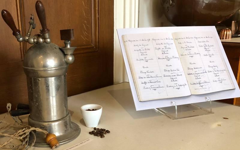 Manor-kitchen-display-coffee-machine