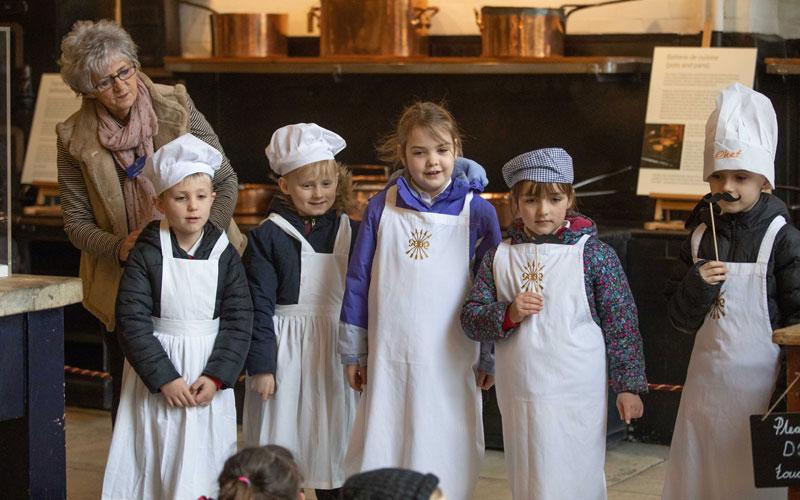 School-visit-Westcott-Manor-Kitchen-session-dressing-up-2020-Waddesdon-Adam-Hollier-800-500