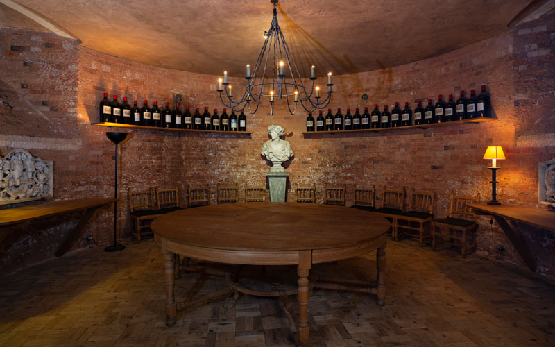Wine-Cellars-Round-Room-Bottles-Wide-View-Chris-Lacey-800-500