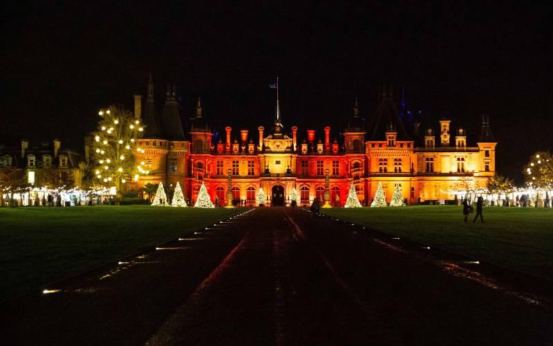 Winter-Light-Christmas-Manor-2018-Adam-Hollier-3000-1875
