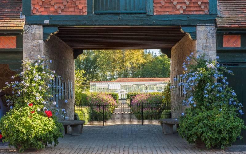 Eythrope-entrace-(c)-Waddesdon,-A-Rothschild-House-&-Gardens