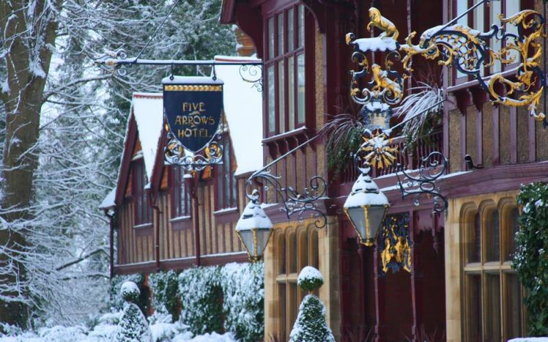 1000 x 625 Five-Arrows-Hotel-Winter-Exterior-All-People-Photography-©-The-National-Trust-Waddesdon-Manor-for-web