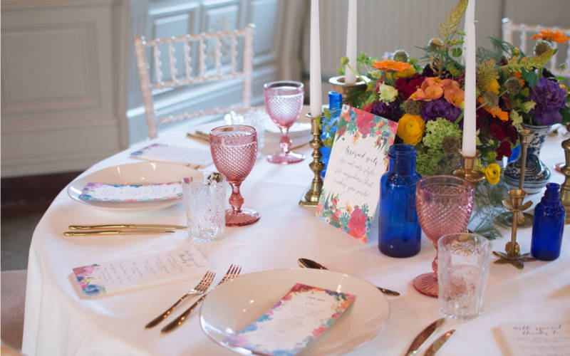 Hotel-interior-wedding-table-pink-3000x1875