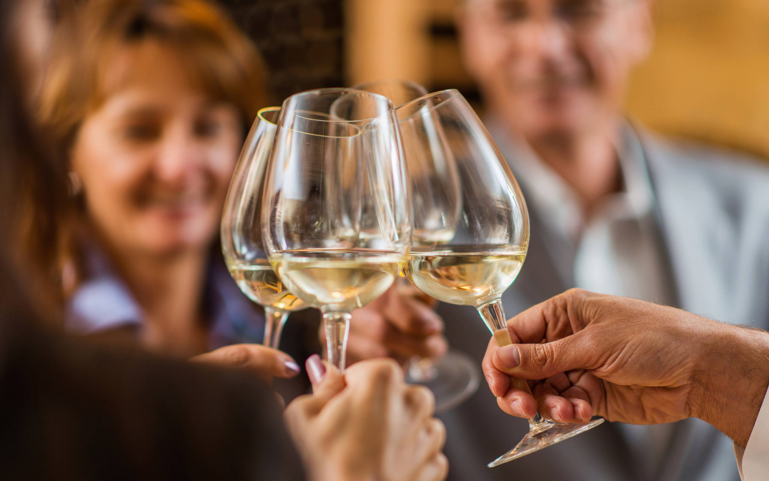 Shop-Stock-image-people-with-glasses-tasting-cheers-3000x1875