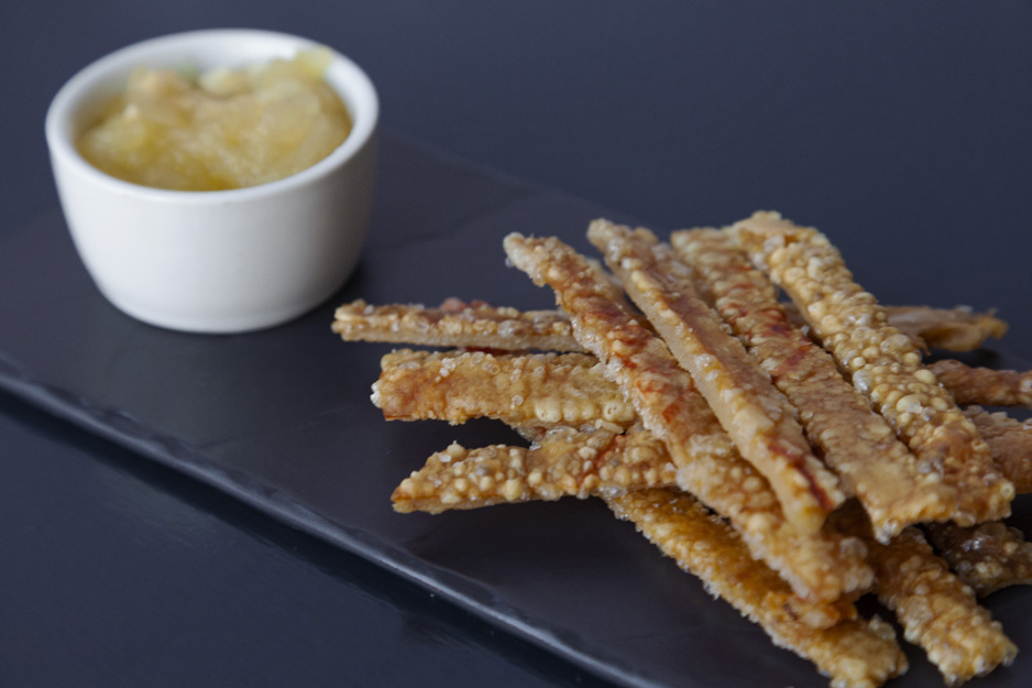 Pork crackling and apple sauce